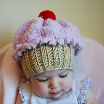 cupcake hat is available at Artology's Etsy shop . (via All Things