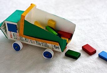 origamimammyrecycleddumptruck